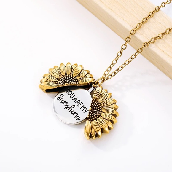 🎉 You are my sunshine sunflower necklace
